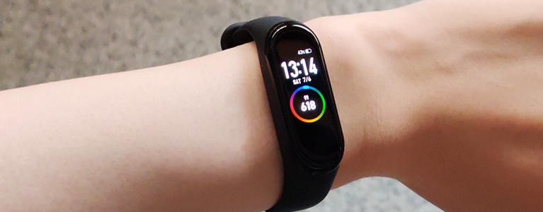 スマートバンドMi Band 4レビュー。20年来の時計嫌いが付けっぱなしにできる快適さと電池持ち