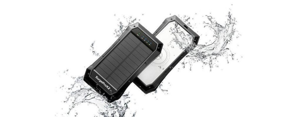 SurgeProX2 - ソーラー充電にランタン付き、災害対策にぴったりなUSB PD/Qi対応防水バッテリー