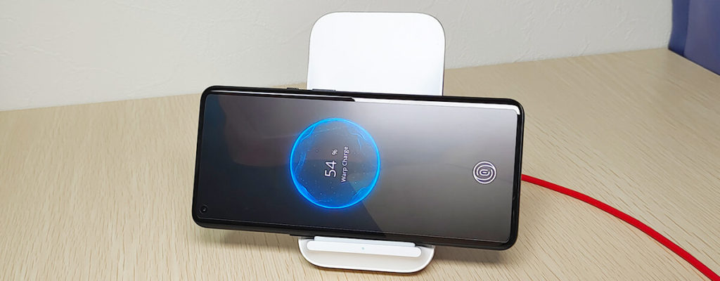 Warp Charge 50 Wireless ChargerでOnePlus 9 Proを無線充電してみた。満充電までたったの43分
